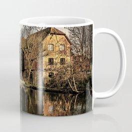 Above Newbury Town Lock Coffee Mug