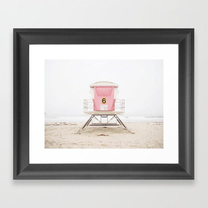 Beach photography pink tower Gerahmter Kunstdruck