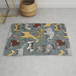 Origami safari animalier // green grey linen texture background yellow giraffes Rug