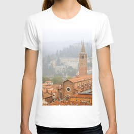 Panoramic view of Verona and its Roman Architecture - A classic present for travel addicted that loves Italy, its architecture, and the city of Romeo and Juliet T-shirt