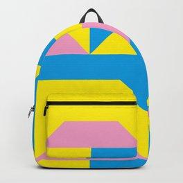 Trapezi e altre forme. Rosa, azzurro, giallo. Sembrano piccoli ponti per bambini, fatti in legno. Backpack