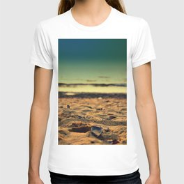 mussel on sand T-shirt