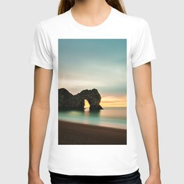 Durdle Door Arch, Jurassic Coast Dorset, England T-shirt