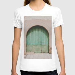 Mallorca door | Fine Art Travel Photography T-shirt