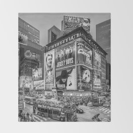 Times Square III Special Edition I (black & white) Throw Blanket