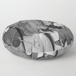 Een historisch tafereel in het museum, Bestanddeelnr 254 0095 Floor Pillow