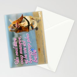 Carte Postale - Un seul être vous manque est la vie est plus belle Stationery Cards