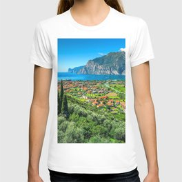 Lake Garda 4k italian cities HDR beautiful nature Italy summer Europe T-shirt