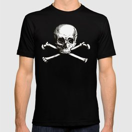 Skull and Crossbones   Jolly Roger   Pirate Flag   Black and White   T-shirt