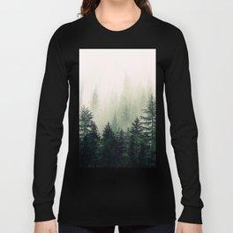 Foggy Pine Trees Langarmshirt