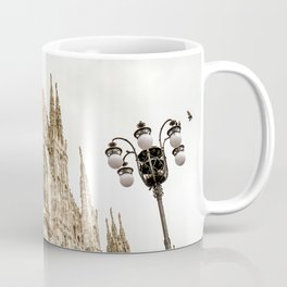 Milan City Architecture - A beautiful present for a travel addicted that loves Italy, its achitecture, and its landmark. Coffee Mug