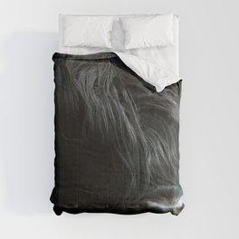 Minimalist Black Scottish Highland Cattle Portrait - Animal Photography Comforters
