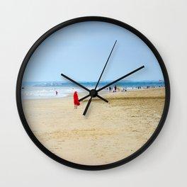 En rouge Wall Clock