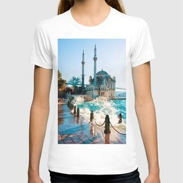 painting of Istanbul Turkey  T-shirt