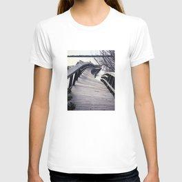 A twist T-shirt
