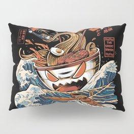 The black Great Ramen Pillow Sham