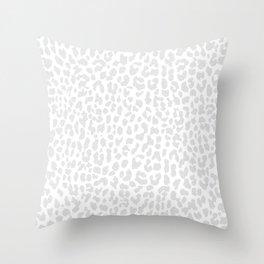 Pale Gray Leopard Deko-Kissen