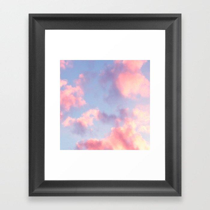 Whimsical Sky Gerahmter Kunstdruck