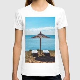 Beach umbrella at the sea in Premantura T-shirt