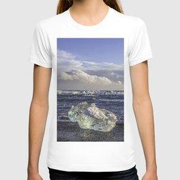 Jokulsarlon Lagoon Beach 04  T-shirt