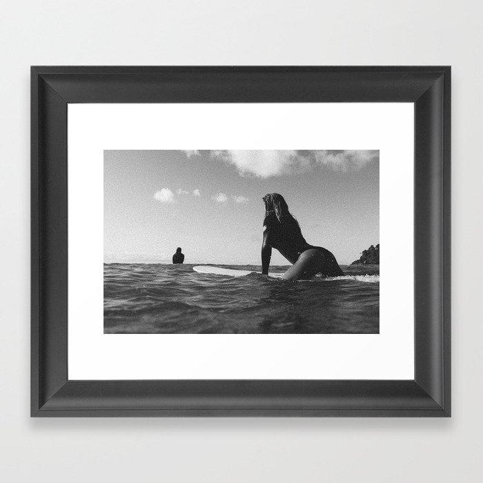 Surfer girl Gerahmter Kunstdruck