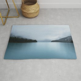 Maligne Lake in Fog Rug