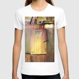 Small door T-shirt