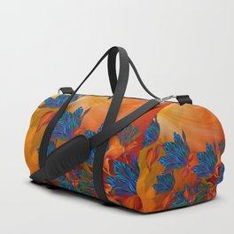 """""""Blue flowers on orange silk"""" (Air Spring at night) Sporttaschen"""