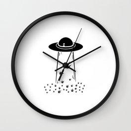 Ufo Alien 420 | Smoke Weed Cannabis Gifts Wall Clock