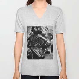 Fearless Girl facing down the Charging Bull statue of Wall Street black and white photography Unisex V-Neck