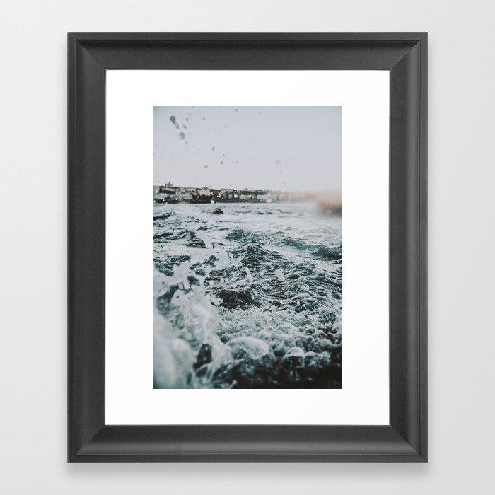summer waves ii / bondi beach, australia Gerahmter Kunstdruck