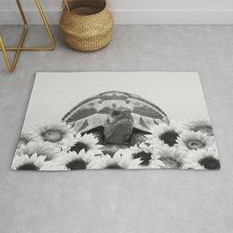 Tortoise Sunflower Blossoms - black & white Rug
