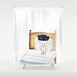 No despertador + despertarse a las 7:00 = sábado Shower Curtain