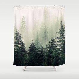 Foggy Pine Trees Duschvorhang