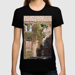 "Abandoned Building - Catania - Sicily - ""Vacancy"" zine T-shirt"