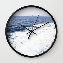 Waves in the ocean Wall Clock