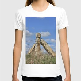 Kansas Corner Stone Post fence with blue sky and white clouds  T-shirt