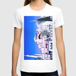 A beautiful museum. T-shirt