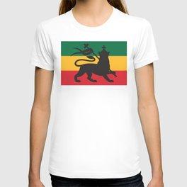 rastafarian flag with the lion of judah (reggae background) T-shirt