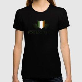 Irish Gaelic Saying - Póg Mo Thóin T-shirt