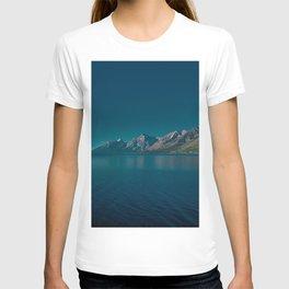 Jackson Lake mountains summer USA Wyoming America T-shirt