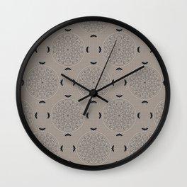 Mascara Rosette Lace Wall Clock
